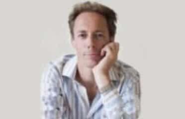 Simon Carter portrait